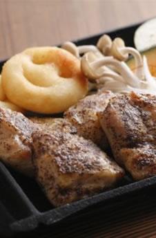 地鶏のチキン黒胡麻焼き